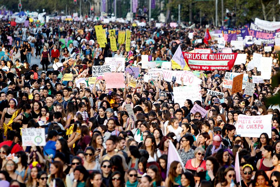 """Coordinadora 8M acusa """"oportunismo"""" del Gobierno tras destacar marcha feminista"""
