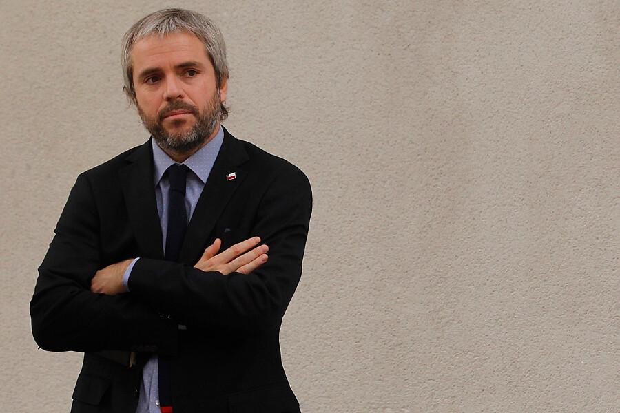 """""""Gobierno lamentó que el PC se restara de reuniones con Piñera:"""