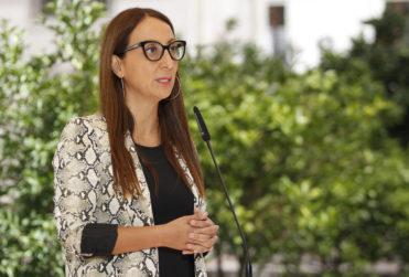 """Ministra Pérez responde crítica de Orsini por solicitud protocolar en visita de Bolsonaro: """"No es la alfombra roja de un festival"""""""