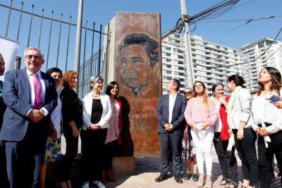 Camino a la estación de Metro: Independencia nombró una plazoleta como Eloísa Díaz