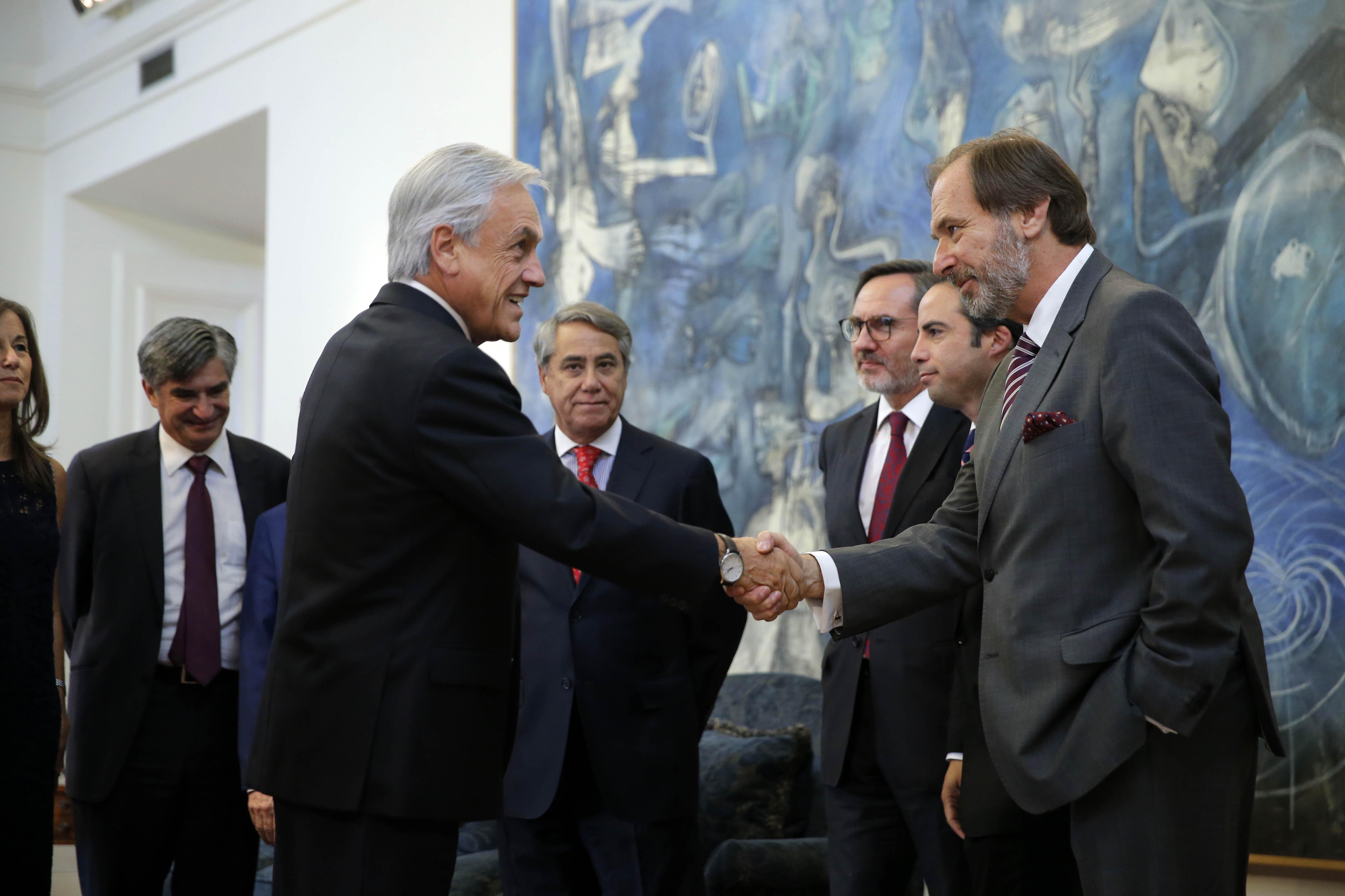 Ministros del TC solicitaron a Piñera un bono extra para aumentar sus sueldos