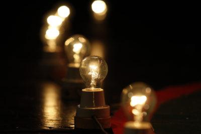Gobierno hace efectivo decreto que sube las cuentas de la luz