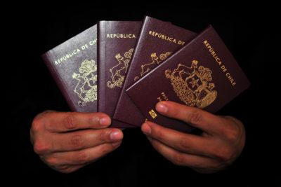 Ministerio de Justicia buscará extender vida útil del pasaporte y el carnet de identidad