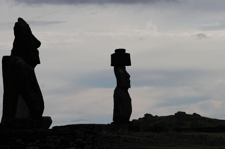 """""""Encuentran muerto a turista francés en Rapa Nui"""""""