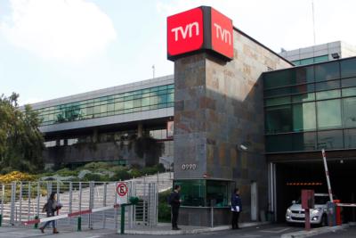 Consejo para la Transparencia oficia a TVN por no publicar sueldos de directores y gerentes