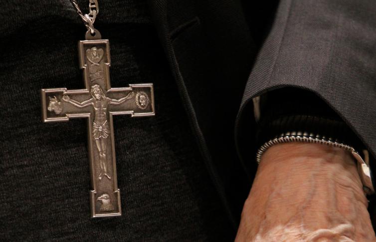 Papa dispensa del celibato a sacerdote de Chillán investigado por abusos