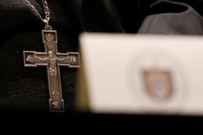 """Jesuita fue sancionado por """"transgresiones de naturaleza sexual a dos mujeres"""""""