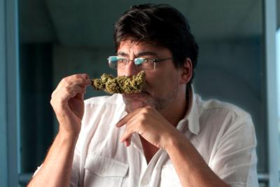 """Daniel Jadue: """"Una farmacia popular puede proveer droga de buena calidad, de manera segura y con registros reales"""""""