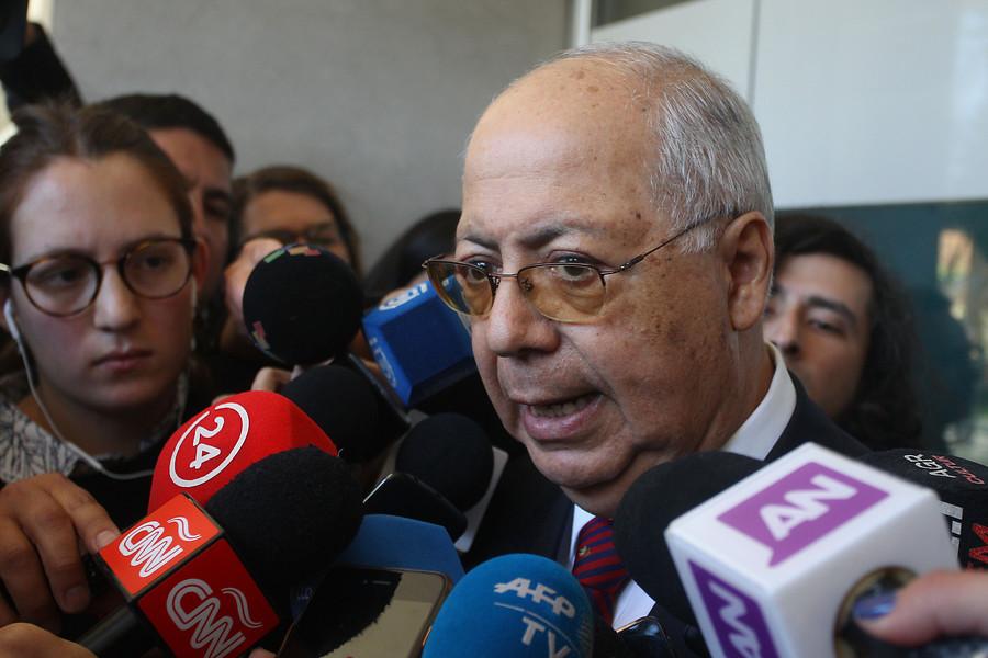 Defensa de Ezzati suspendió vista de sobreseimiento por querella contra Tito Rivera