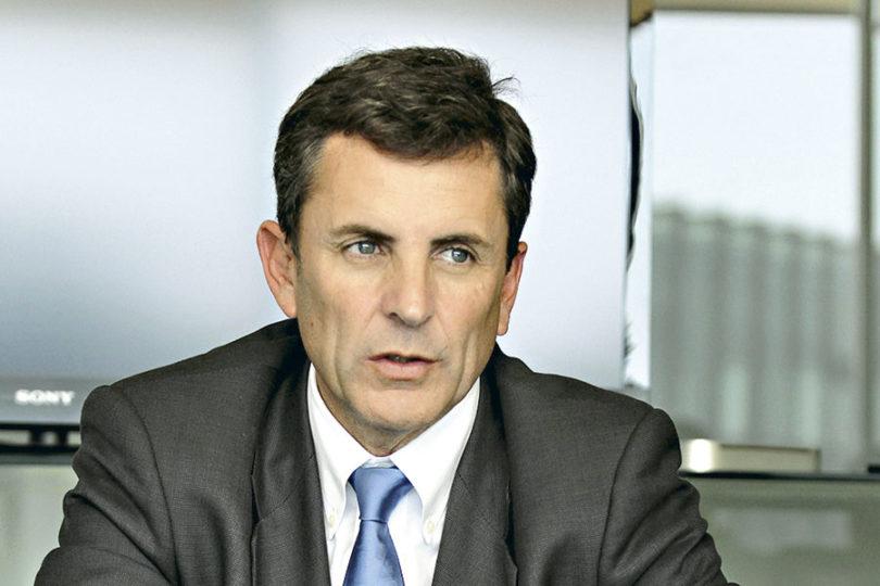 """Gonzalo de la Carrera se queja porque sus impuestos van a la """"izquierda apernada"""" y diputado Vidal le recuerda cuánto ganó en ENAP"""