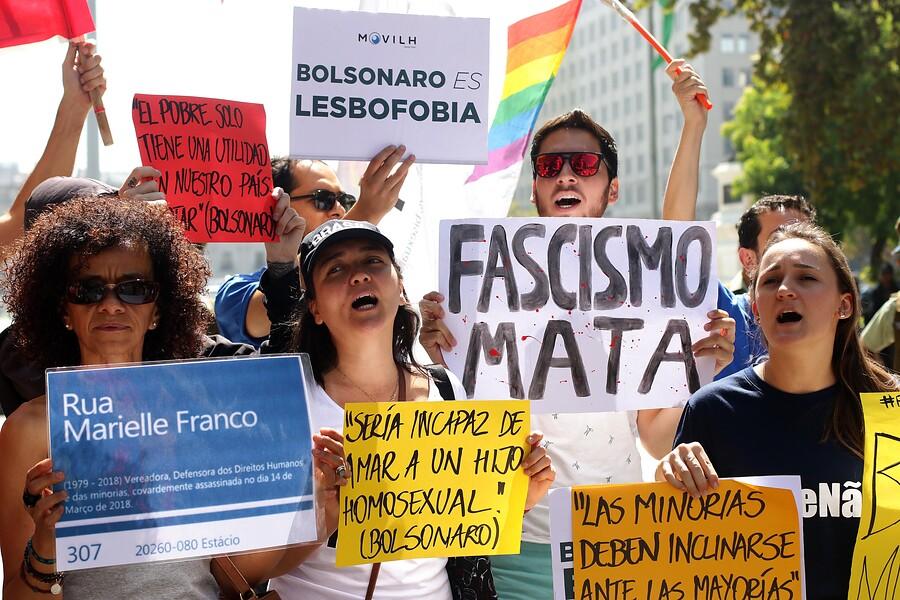 Movilh pide marcar diferencias con Bolsonaro