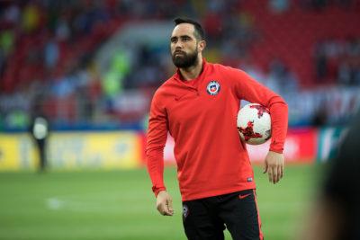 """Ex preparador de la Roja por Claudio Bravo: """"Rompió los códigos del fútbol"""""""