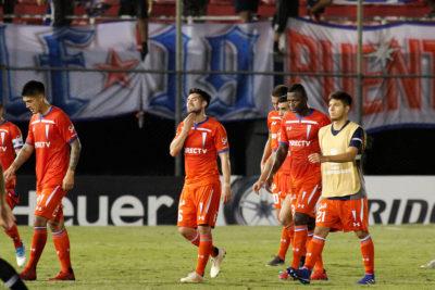 La UC fue aplastada ante Libertad en su debut por Copa Libertadores
