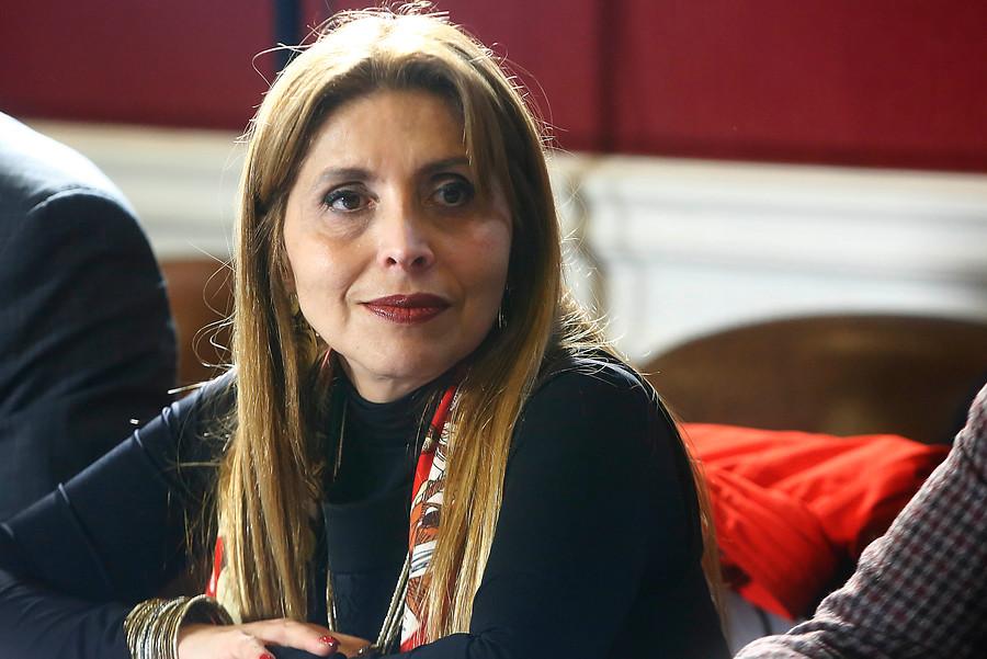 """Gobierno llama a empresas de telecomunicaciones a subir participación femenina"""