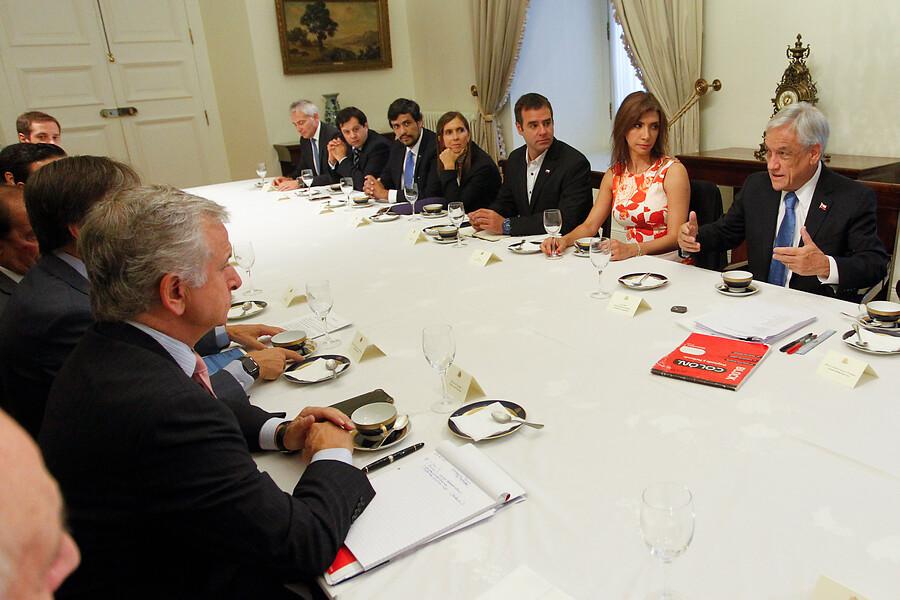 """""""Piñera se reúne con Pymes para defender reforma tributaria"""""""