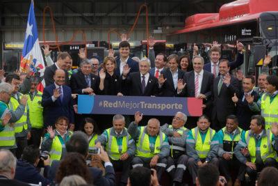 Presentan otros 100 nuevos buses eléctricos para transporte capitalino
