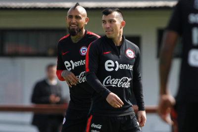 """Gary Medel: """"Nos apuntan siempre a Vidal y a mí por cada situación de la Roja"""""""