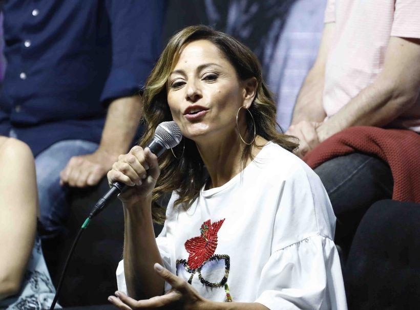 """Constanza Santa María recordó críticas por su vestido: """"¡Las que más atacan son las mujeres!"""""""