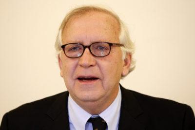 Jorge Burgos vuelve a ser opción para presidir a la U y sacarla de la crisis
