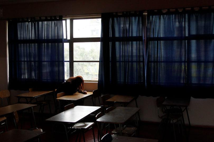 """""""Me dice que no existo"""": menor con autismo denuncia bullying de profesor en colegio de Santiago"""