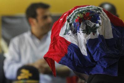 """""""Negro, no estás en tu país"""": funcionario haitiano de la Municipalidad de Quilicura denuncia agresiones de Carabineros"""