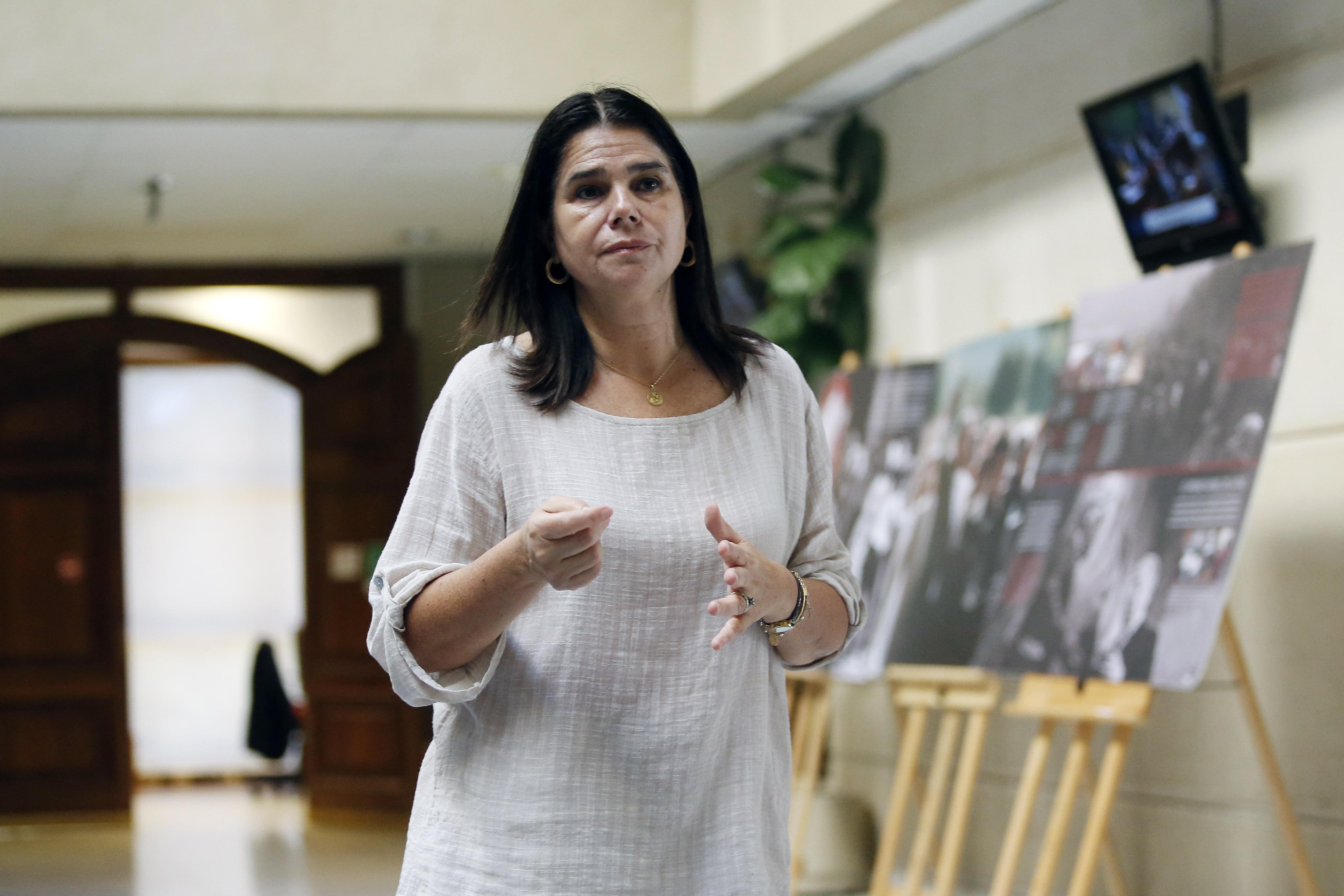 """Freno a las aplicaciones y """"fono copete"""": diputada Ossandón busca prohibir entrega de alcohol a domicilio"""