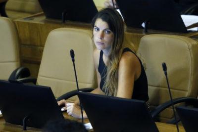 """""""No se preocupe, es fácil"""": ex investigadora de LyD ofrece clases de economía a Maite Orsini por tuit sobre Reforma Tributaria"""