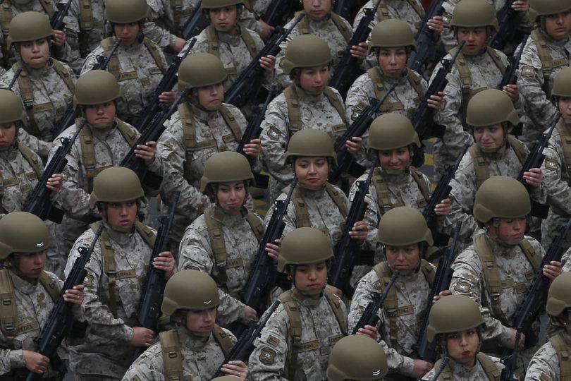 Mujeres fueron rechazadas en el Ejército a última hora y tuvieron que regresar a sus casas