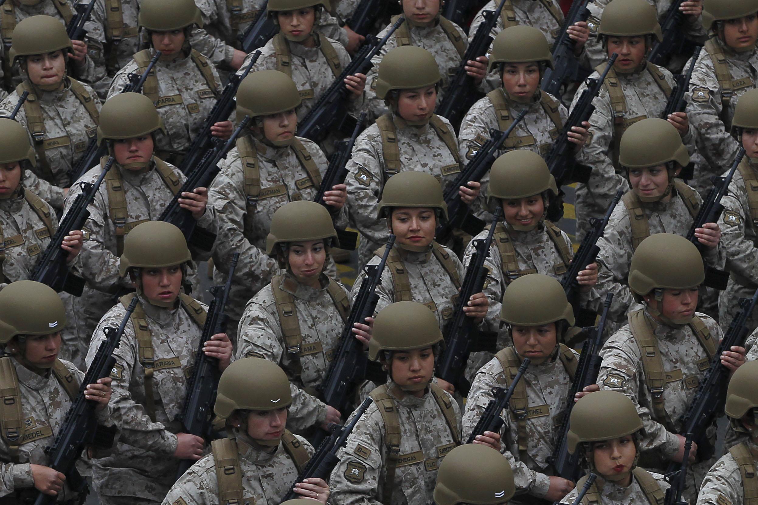 """""""Mujeres fueron rechazadas en el Ejército a última hora y tuvieron que regresar a sus casas"""""""