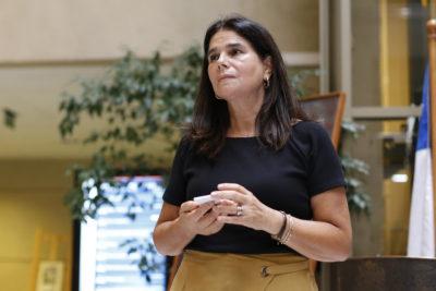 """Diputada Ossandón se atragantó con broma de Piñera por los """"test psicológicos"""" en el Congreso y le respondió sin rodeos"""