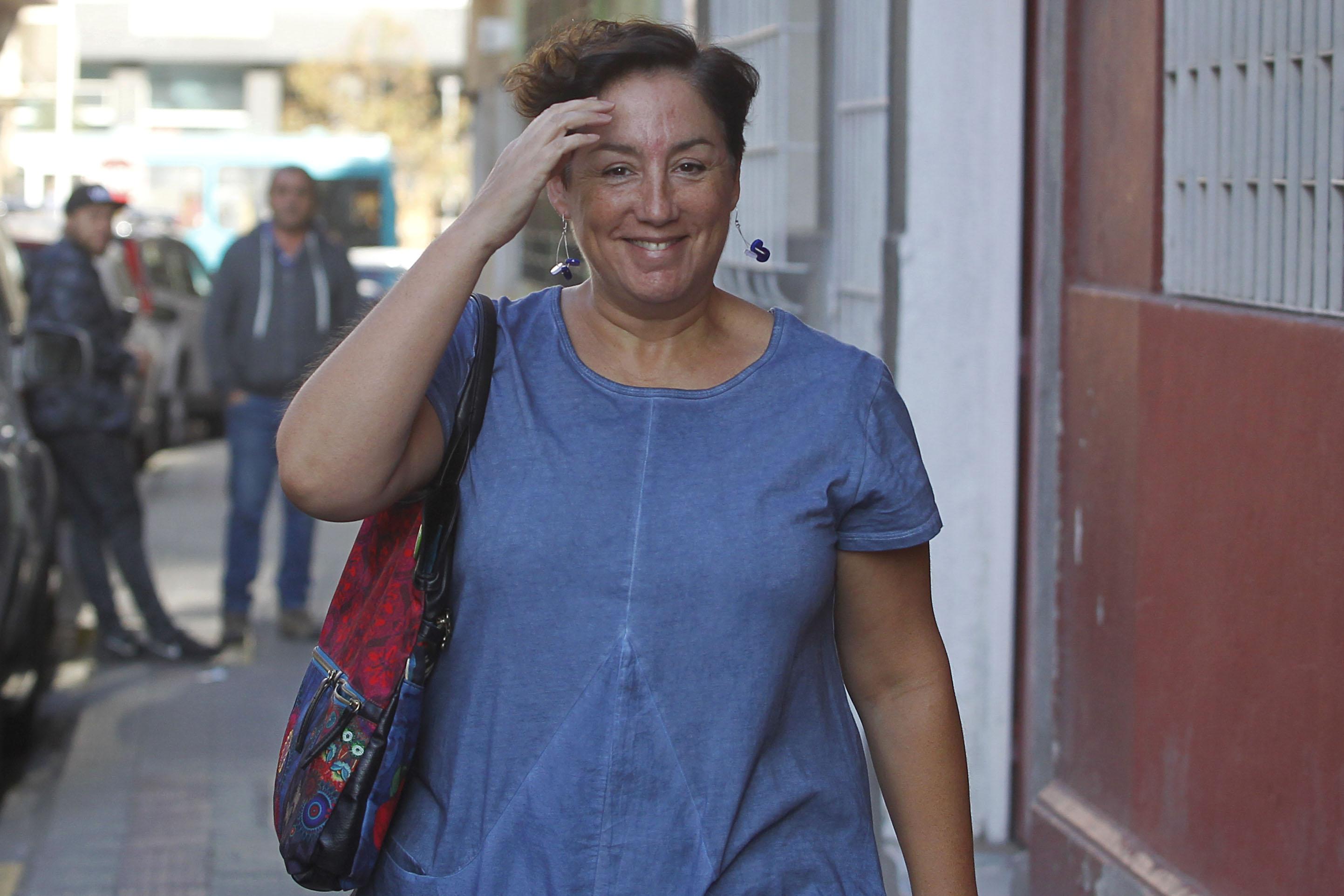 """""""Digan lo que digan, inventen lo que inventen"""": Beatriz Sánchez sale a respaldar a Sharp con mensaje directo a Chile Vamos"""