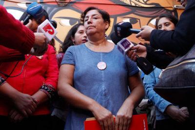 """""""Tú que dices ser feminista…"""" : a Beatriz Sánchez le dijeron de todo y le recordaron los tuits de Baradit tras defenderlo por evento Teletón"""
