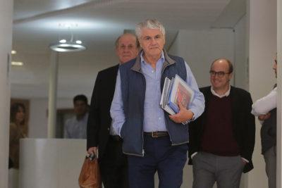 """Carlos Lavín responde a Mónica Rincón: """"Un curso de ética no es fácil para un ciudadano de 76 años"""""""
