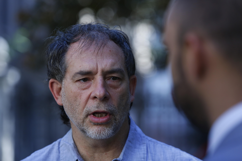 Guido Girardi acusa que el fin de las bolsas plásticas