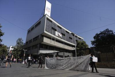 Instituto Nacional será mixto: el 70% de los apoderados había votado más de una vez
