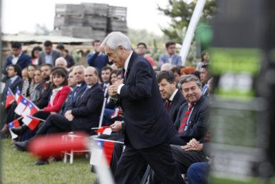 Trueno y río de lluvia: Presidente Piñera se confundió en pleno discurso en la región del Maule