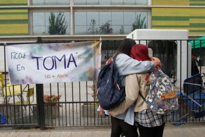 Estudiantes se tomaron la Facultad de Química y Farmacia de la U. de Chile para denunciar acosos sexuales