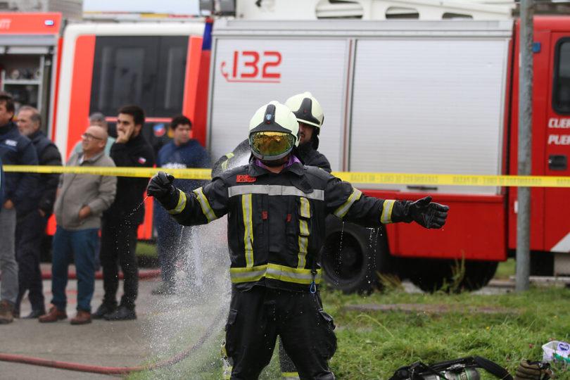 Transeúnte quedó con heridas de gravedad tras caída de avión en Puerto Montt