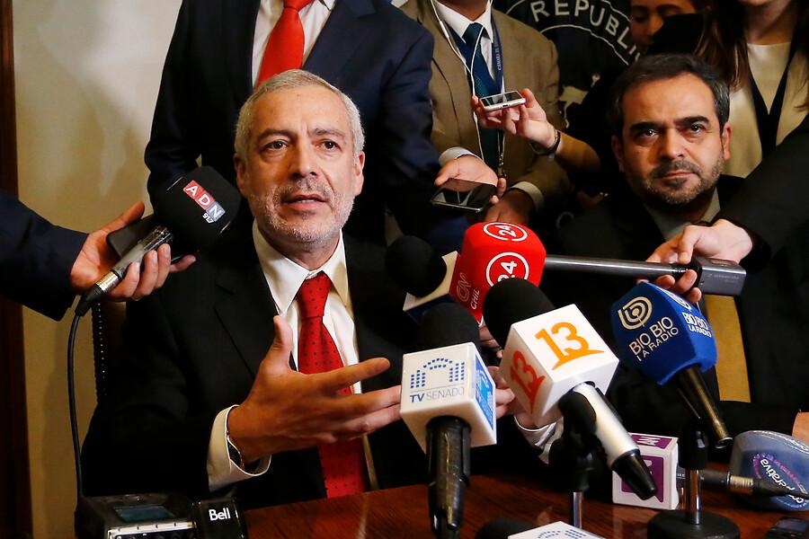 Fiscal Guzmán renuncia al Ministerio Público para asumir como secretario general del Senado