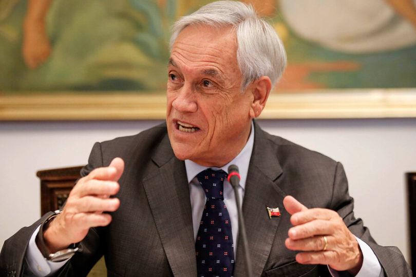 Piñera ofreció cobre y madera para reconstruir la Catedral de Notre Dame