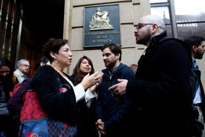 """""""No queremos más de estos privilegios"""": Beatriz Sánchez va a Contraloría y lanza dura crítica al viaje de hijos de Piñera a China"""