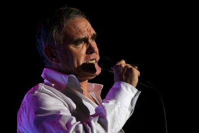 """Morrissey canceló sus conciertos por una """"urgencia médica"""""""