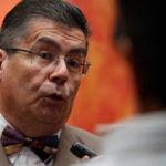 Ex rector U. Chile comparte y viraliza mensaje de líder neonazi para criticar a alumnos de arquitectura que piden menos carga académica