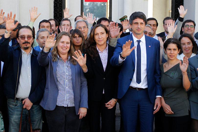 Ministro de Ciencias presenta a encargados de mesas de trabajo para la COP25