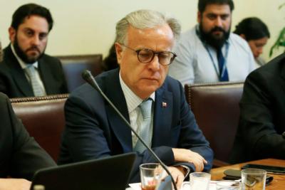 """Ministro de Salud: """"El sistema de isapres no da para más"""""""