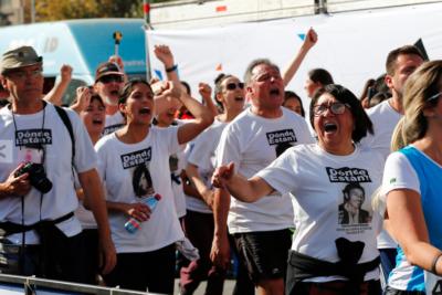 """FOTOS   """"Corremos contra el negacionismo"""": Cientos de personas recordaron a los desaparecidos en dictadura durante la Maratón de Santiago"""