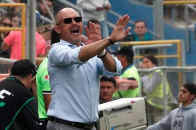 """Alfredo Arias por goleada ante la UC: """"Jugamos muy mal y mis decisiones perjudicaron al equipo"""""""
