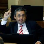 Diputado Durán renuncia a junta Catedral Evangélica