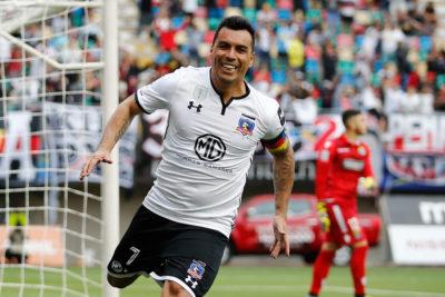 Esteban Paredes es el 2° jugador más veterano del mundo en ser goleador de una liga