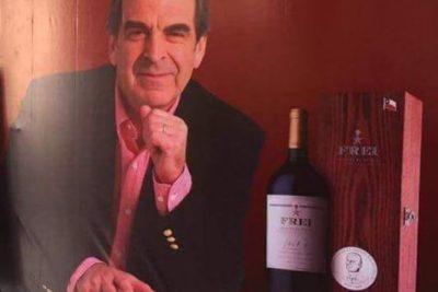 La explicación de la foto viral del vino Frei que se vende en China por casi 900 mil pesos chilenos